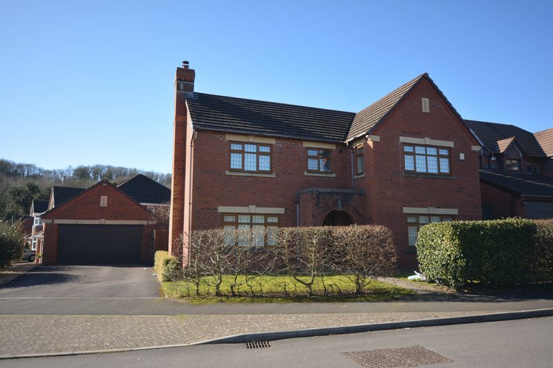 4 Bedrooms Property for sale in Brook Vale, Bridgend