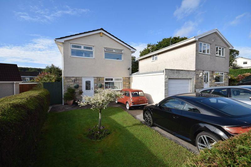 4 Bedrooms Property for sale in 5 Woodlands Park, Pencoed, Bridgend