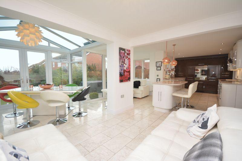 4 Bedrooms Property for sale in Esgair Y Llys, Bridgend
