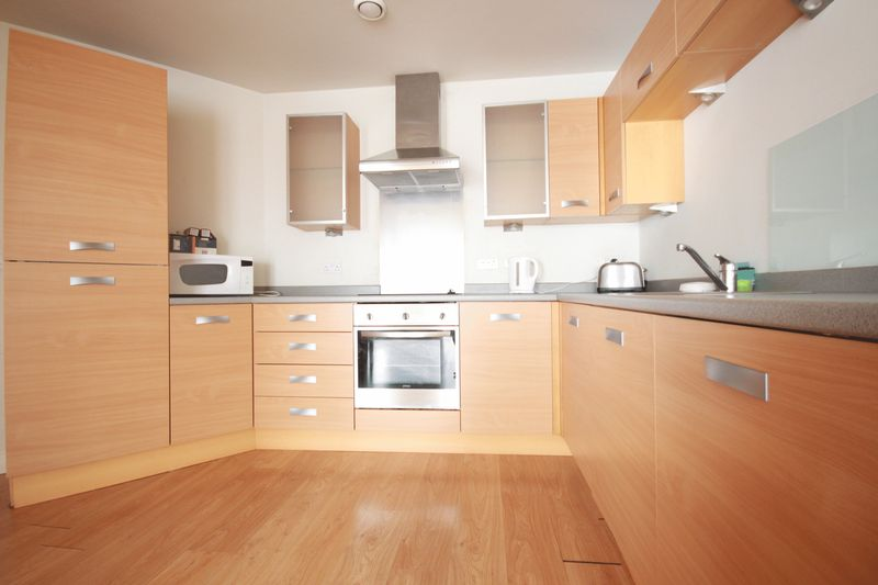 2 Bedrooms Property for sale in Well Presented Apartment, Hall Street, Jewellery Quarter