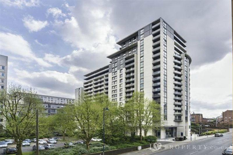 1 Bedroom Property for sale in Centenary Plaza, Birmingham City Centre