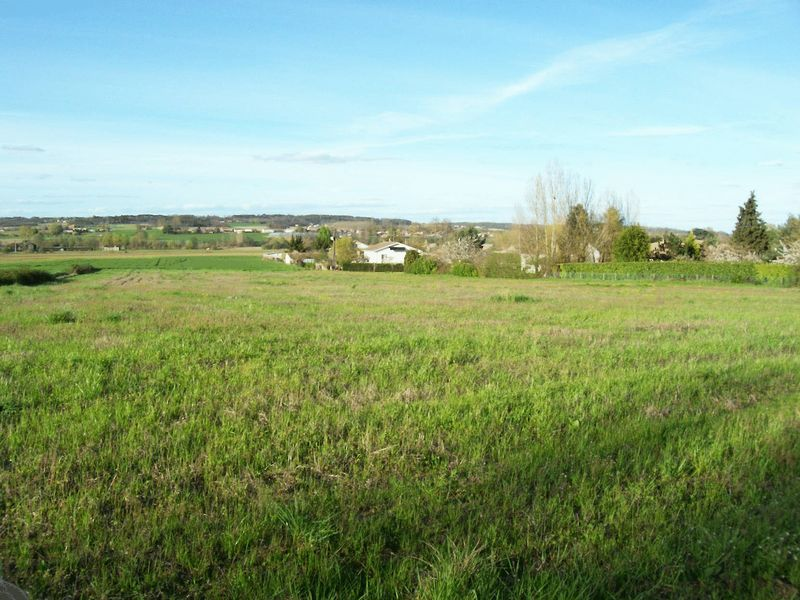 Fabulous Building Plot on the edge of a village near Eymet and Monsegur