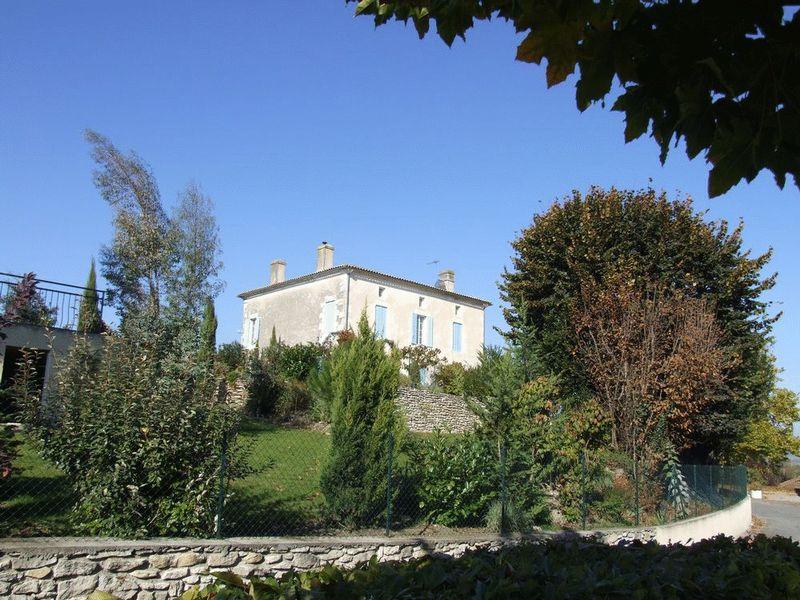 Elegant, beautifully renovated Maison de Maitre