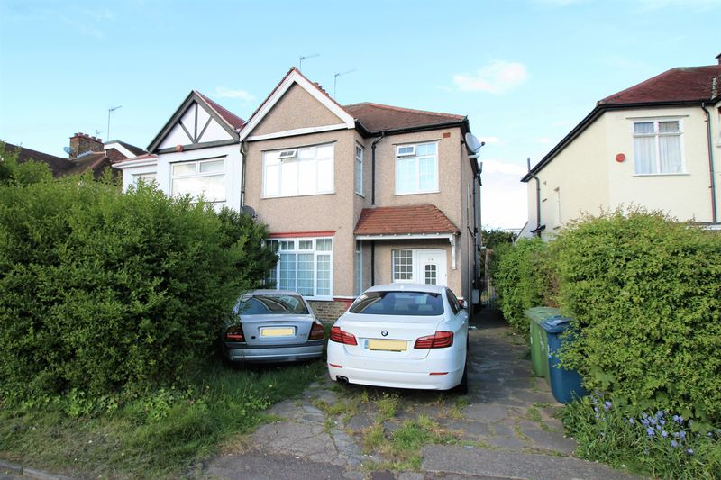 3 Bedrooms Property for sale in Pinner Road, North Harrow