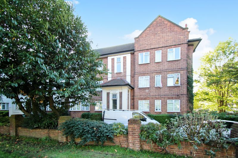 2 Bedrooms Property for sale in Minehead Court, Harrow