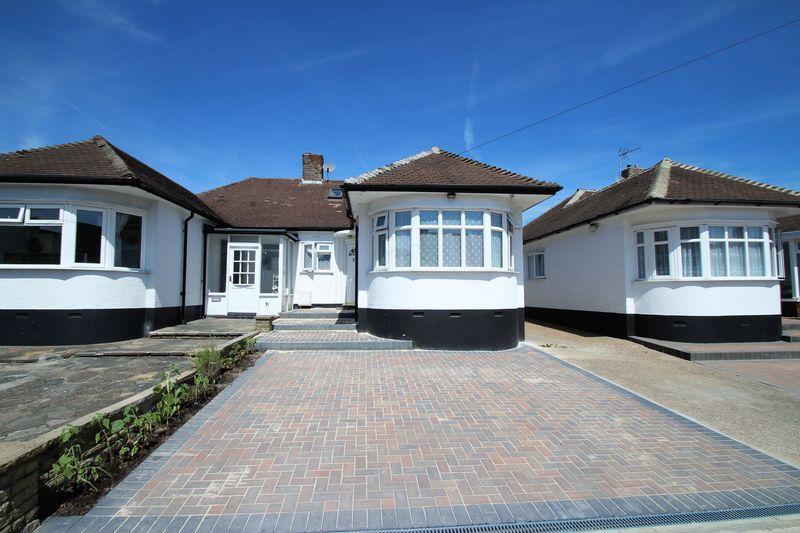 3 Bedrooms Property for sale in Cavendish Avenue, Ruislip