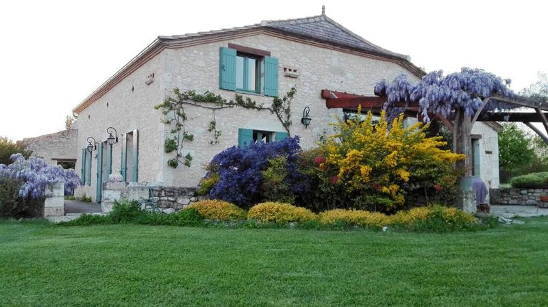 Near  Duras, Lot et Garonne