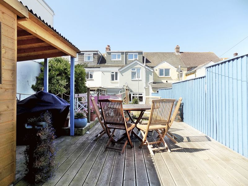 4 Bedrooms Property for sale in Franklin Road, Weymouth