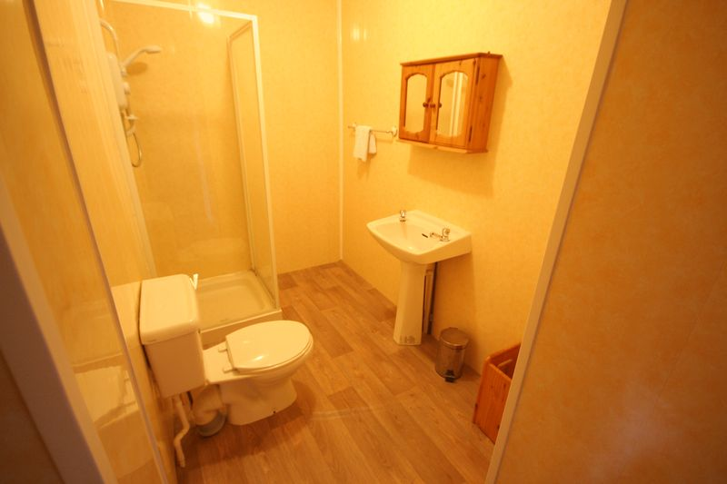 En-Shower Room