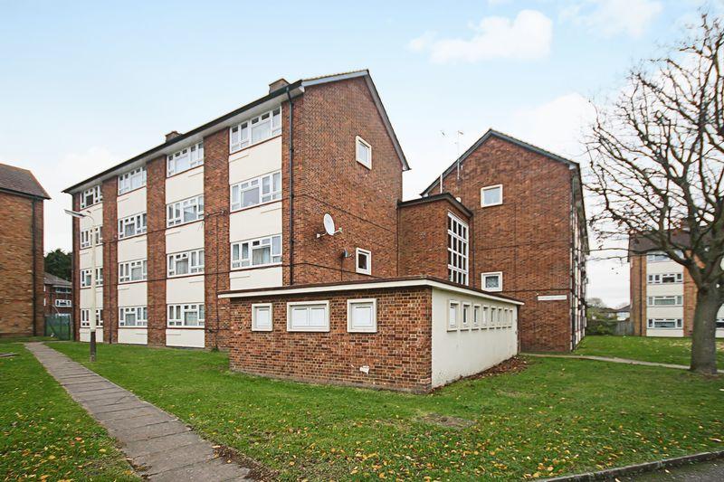2 Bedrooms Property for sale in Newmarket Avenue, Northolt