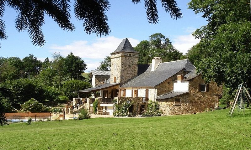 Manorial stone-built 4-bedroom house, 1 hectare of land