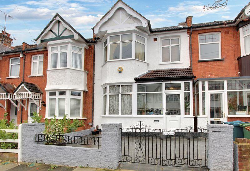 3 Bedrooms Property for sale in Hide Road, Harrow