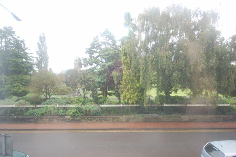 25 Victoria Gardens, Neath, SA11 3AY