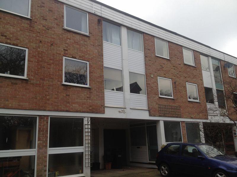 Cranbourne Close, Horley