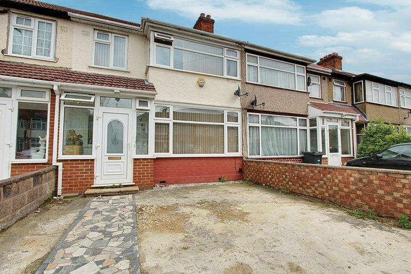 4 Bedrooms Property for sale in Craven Avenue, Southall