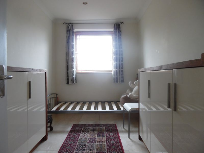 House Share. Double room in South Quay