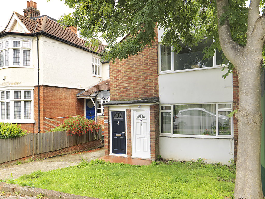 2 Bedrooms Property for sale in Dukes Avenue, New Malden, KT3