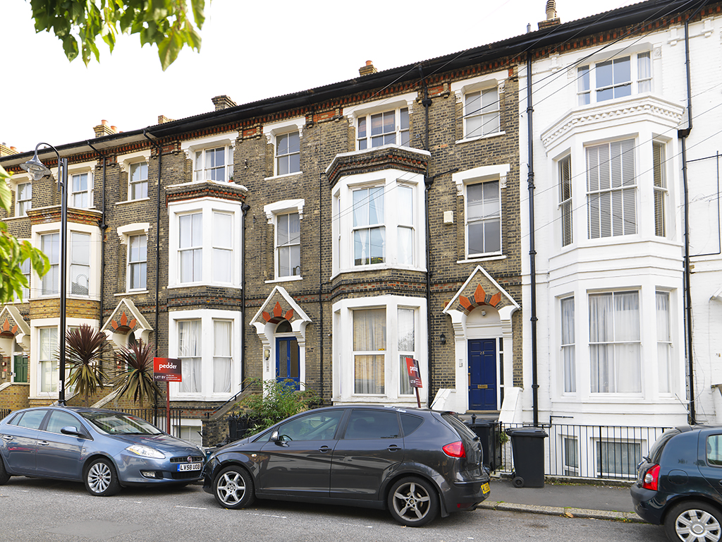 1 Bedroom Property for sale in St Aubyns Road, London, SE19