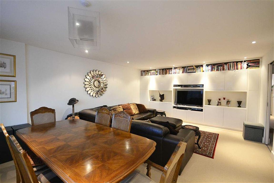 3 Bedrooms Property for sale in Richmond Road, Barnet, EN5