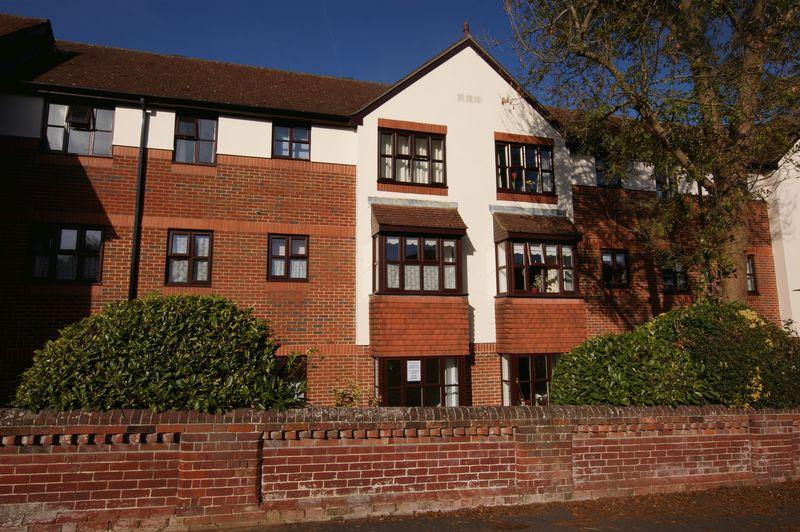2 Bedrooms Property for sale in Wickham Road, Fareham