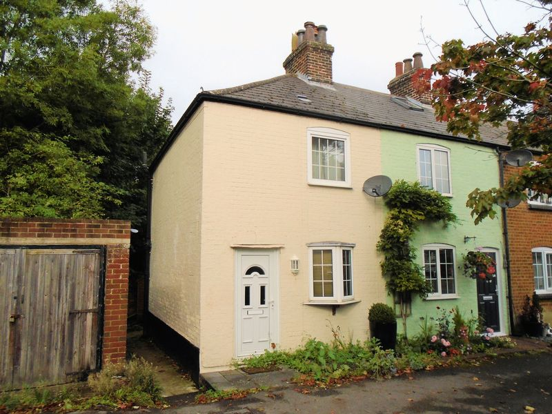 1 Bedroom Property for sale in West End Cottages, West Street, Fareham