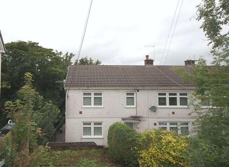 2 Bedrooms Property for sale in 90 Meadow Road, Neath
