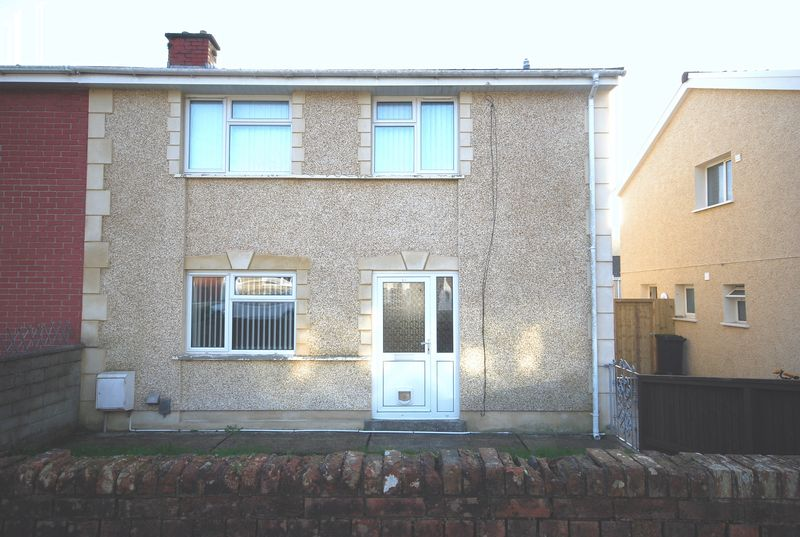 3 Bedrooms Property for sale in 51 March Hywel, Neath