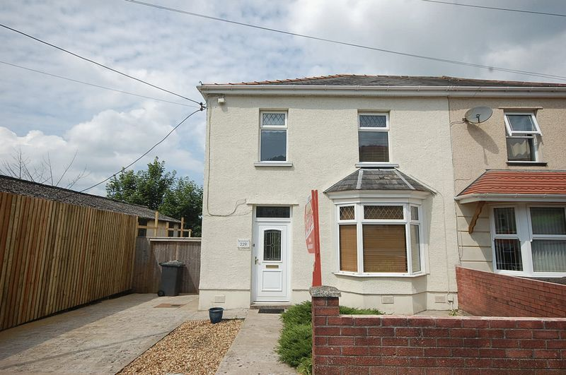 3 Bedrooms Property for sale in 229 Old Road, Briton Ferry, Neath