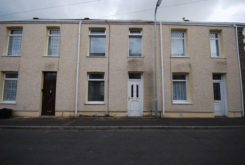 3 Bedrooms Property for sale in 4, Wilmot Street, Neath