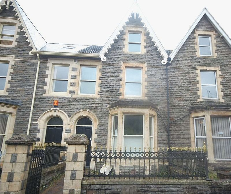 Property for rent in 19 Victoria Gardens, Neath