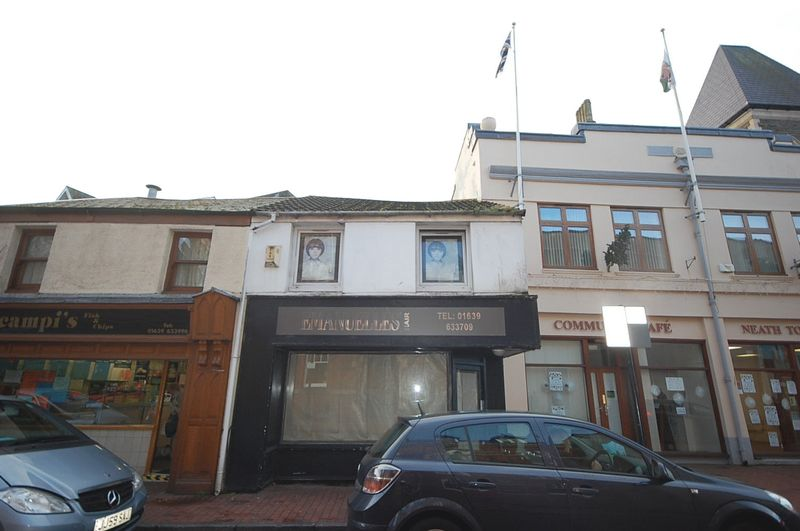 Property for sale in 14 Orchard Street, Neath