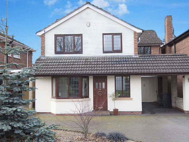 4 Bedrooms Property for sale in Buckingham Grove, Kingswinford