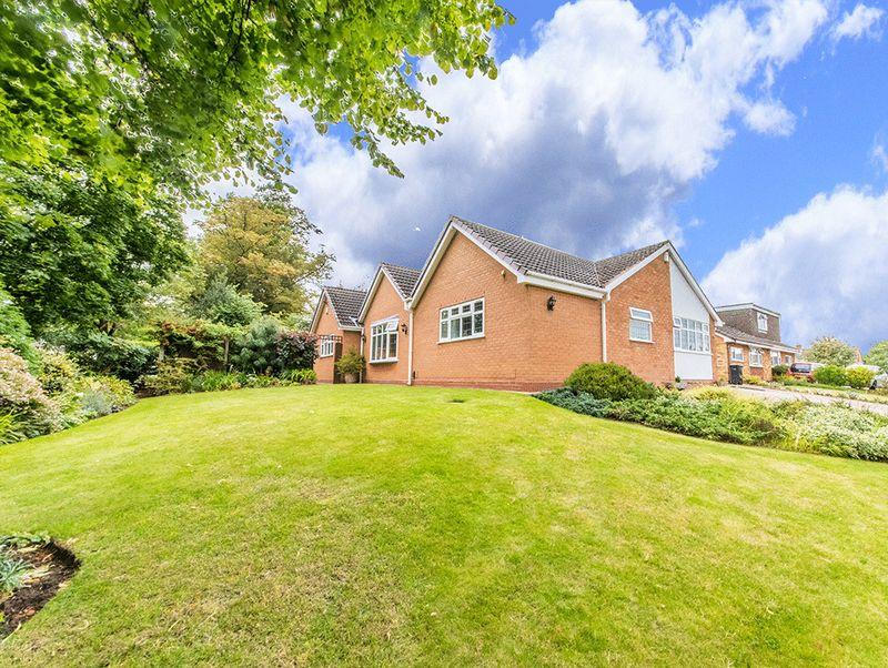 3 Bedrooms Property for sale in Fernleigh Gardens, Wordsley