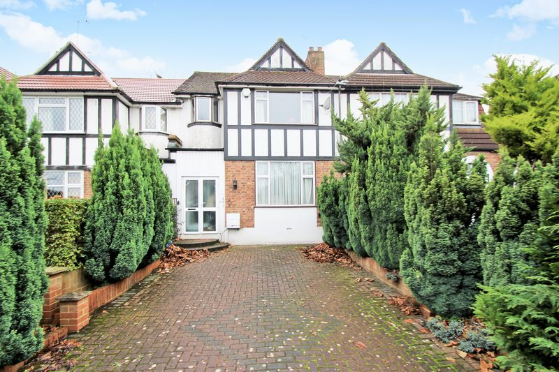 3 Bedrooms Property for sale in Kenton Lane, Harrow