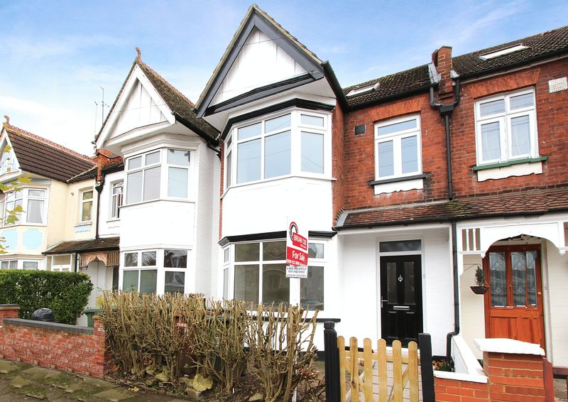 4 Bedrooms Property for sale in Colbeck Road, Harrow
