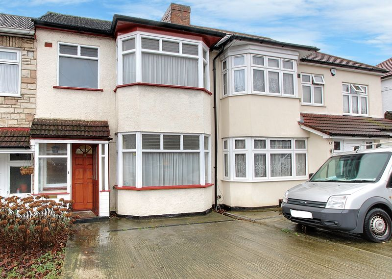 3 Bedrooms Property for sale in Turner Road, Edgware