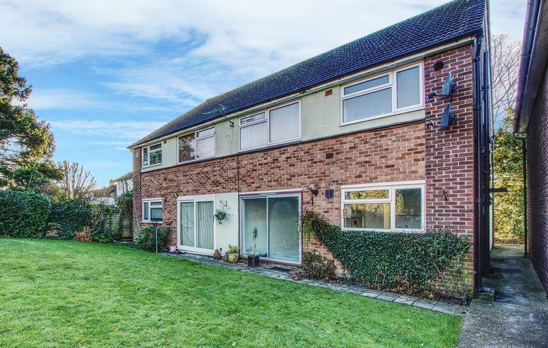 2 Bedrooms Property for sale in Trevor Close, Harrow