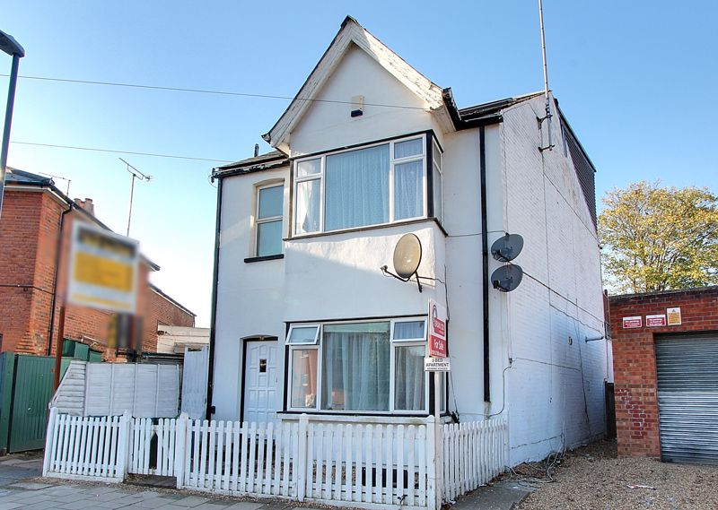3 Bedrooms Property for sale in Springfield Road, Harrow - Buyers Incentive -Vendor To Pay Stamp Duty For First Time Buyers