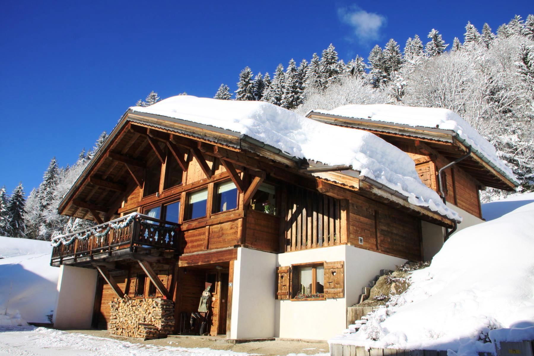 Luxury Ski-in Chalet in Les Gets'