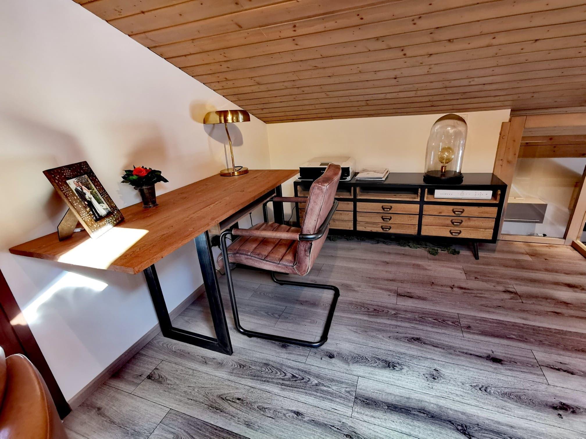 Mezzanine/Office