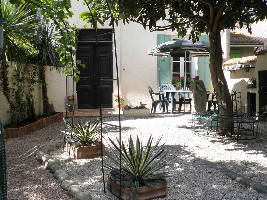 Canal side property for sale Herault