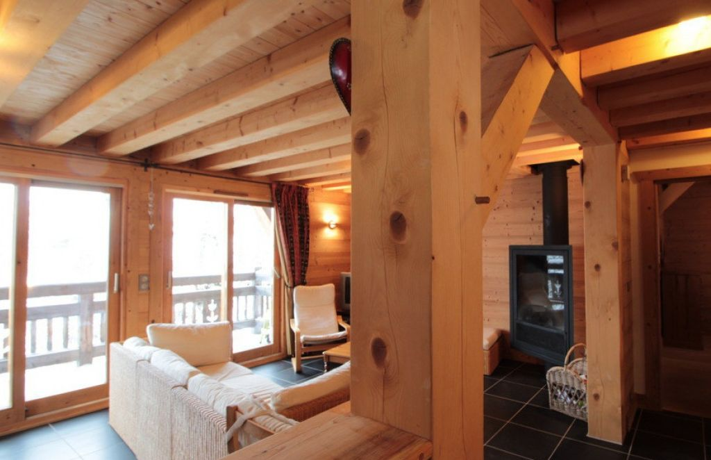 Five Bedroomed Chalet in Les Carroz'