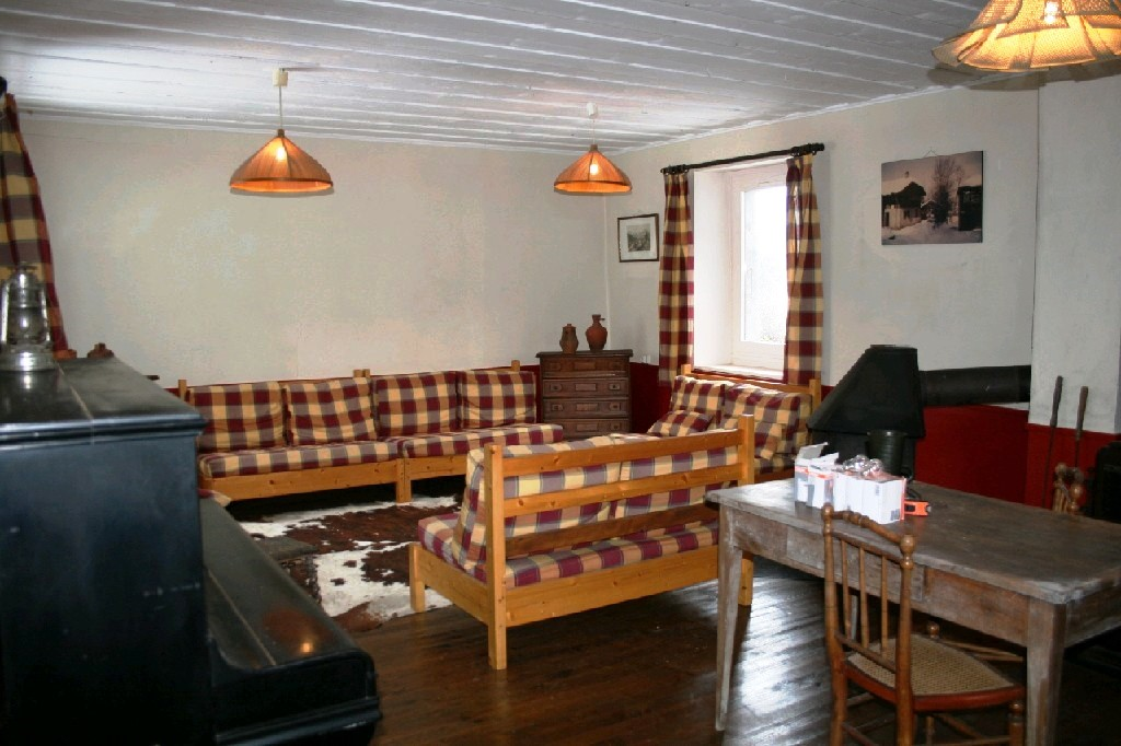 Part Renovated Farm in Morillon'