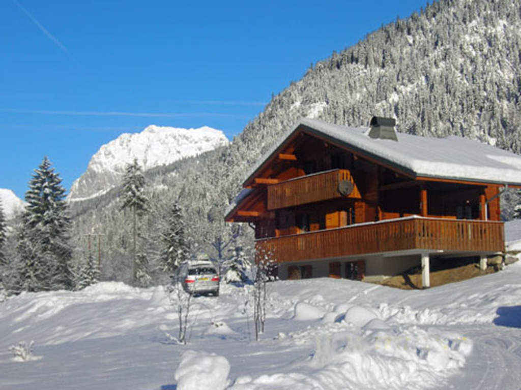 Six Bedroom Chalet in Chatel'