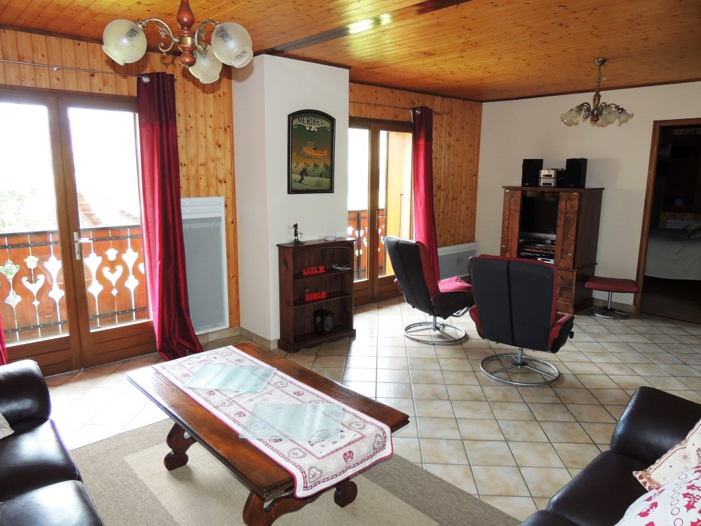 Apartment Close to Ski Pistes in Les Gets'