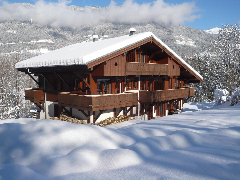 Chalet with 4 Apartments in Morillon'