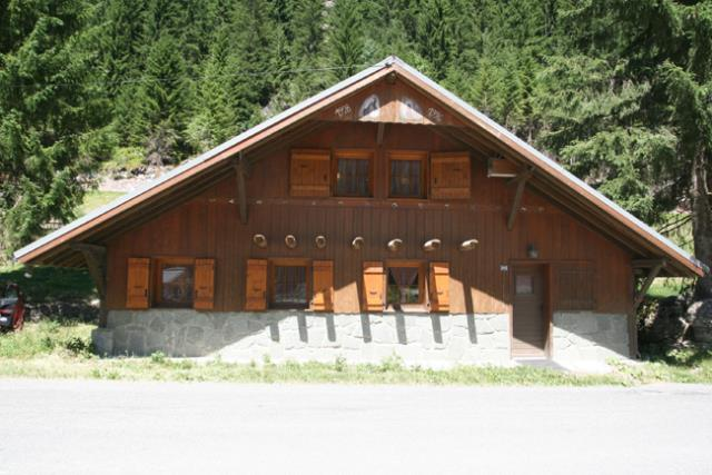 Traditional Chalet near Ski Lifts in Chatel'