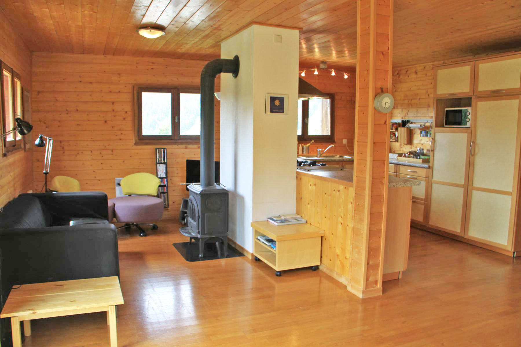6 Bedroom Chalet near Skiing and Golf in Les Gets'