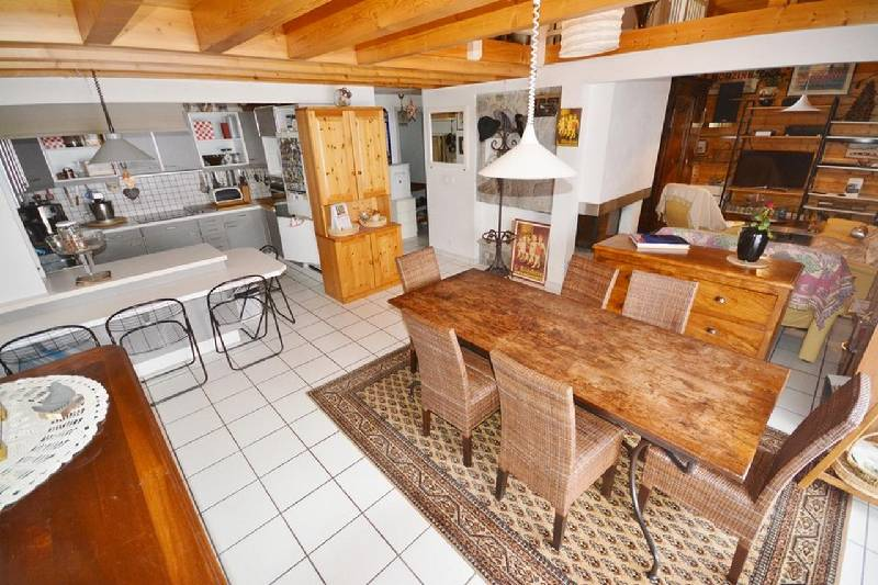 Large Duplex Apartment in Heart of Morzine'