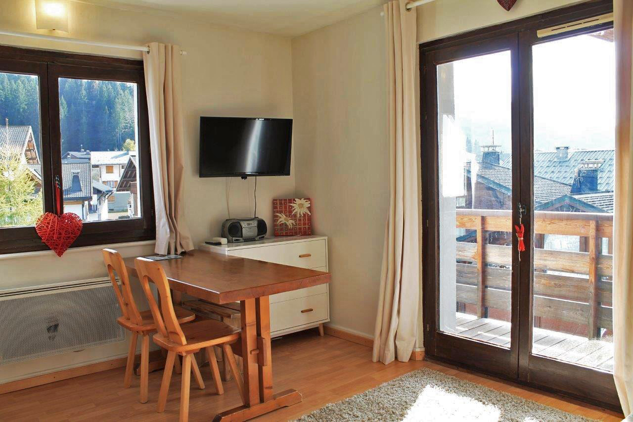 Second Floor Apartment in Centre of Les Gets'